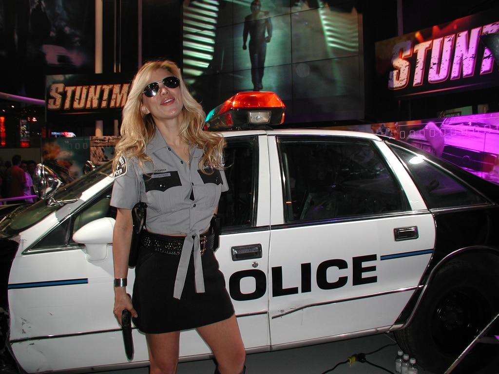Erreur stripteaseuse police