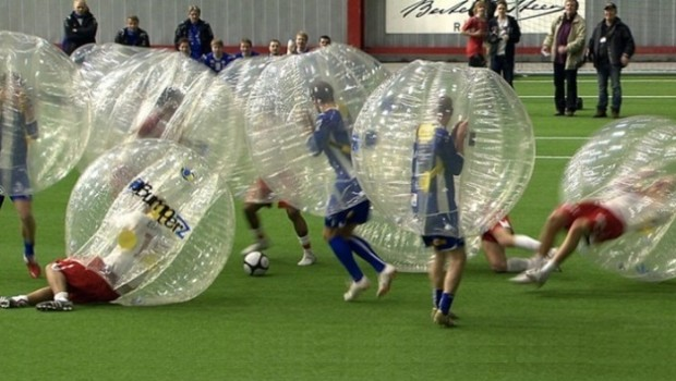 Le-Bubble-Football-ou-linverse-du-football-champagne-620x350