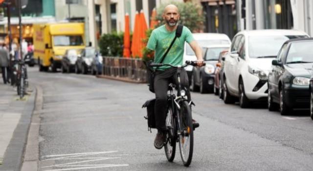 Verbalisé pour navoir quun seul frein sur son vélo alors quil est amputé dun bras