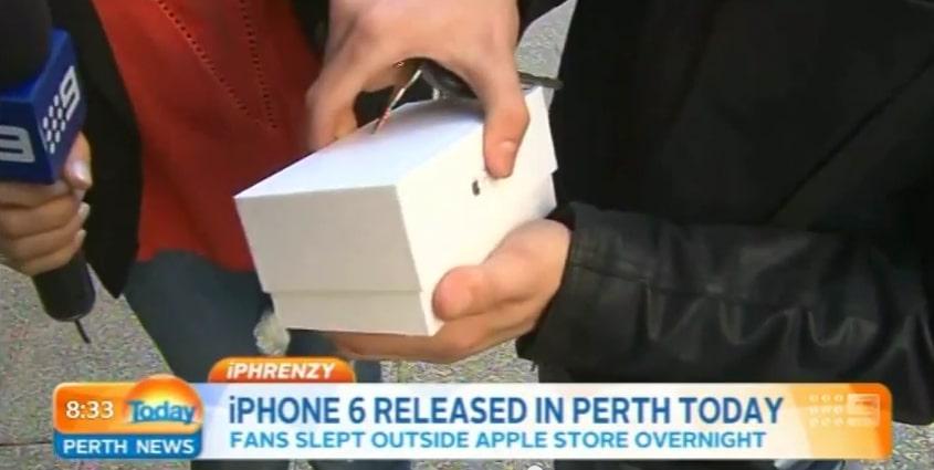 L'un des premiers acheteurs de l'iPhone 6 le fait tomber à la sortie du magasin