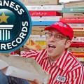 Scott Wiener collectionne et détient plus de 750 boîtes de pizzas provenant du monde entier