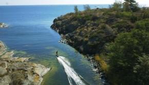Un wakeboard électrique commercialisé par une entreprise suédoise