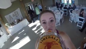 Une caméra fixée à une bouteille de Whisky pour immortaliser un mariage