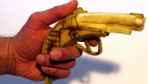 Il menace pour rire de tirer sur deux policiers avec une banane et se fait arrêter