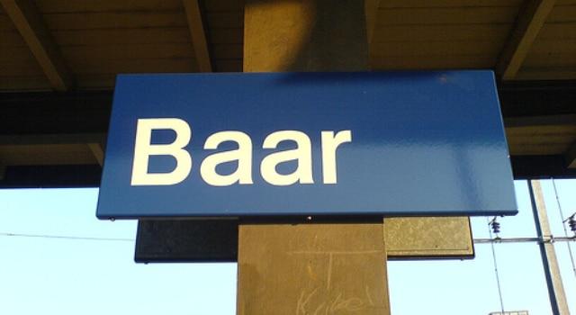 Ivre, il vole une voiture pour trouver un bar et se fait arrêter dans la ville de Baar