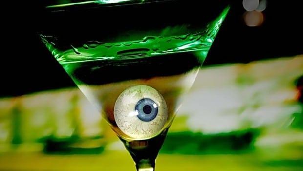 étude scientifique alcoolisme yeux clairs