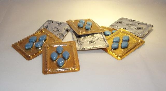 ivre avale pilules viagra érection cinq jours