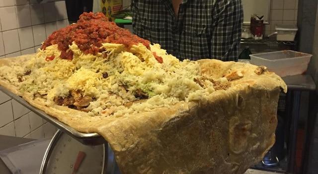burrito géant de 13,6 kg à manger contre 10 pour cent dans capital