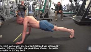 record du monde de pompes en une heure par Carlton Williams
