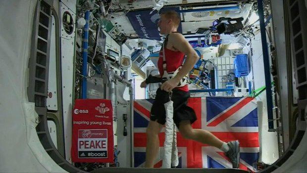 Tim Peake court marathon depuis l'espace