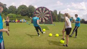 foot darts football rencontre fléchettes